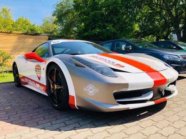 Sportwagen Touren mit dem Ferrari