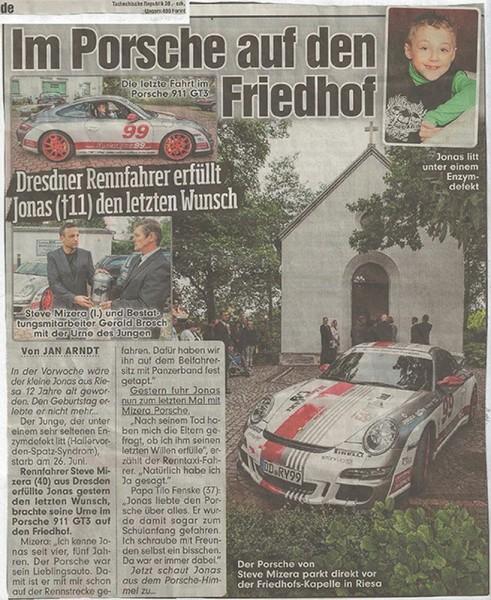 2015-07-11_Im-Porsche-auf-den-Friedhof